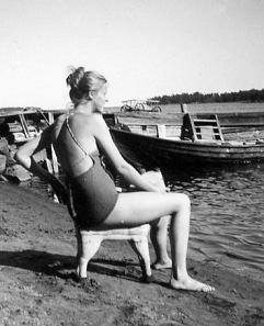 Hästen som sittplats på stranden 1950.